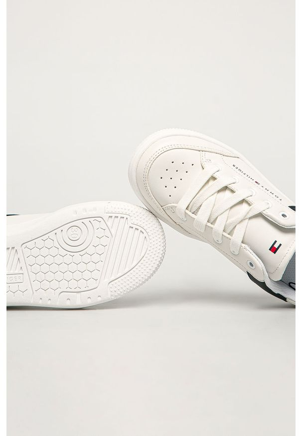Białe buty sportowe TOMMY HILFIGER na sznurówki, z okrągłym noskiem, z cholewką