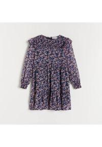 Reserved - Sukienka z falbankami - Granatowy. Typ kołnierza: kołnierz z falbankami. Kolor: niebieski