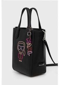 Karl Lagerfeld - Torebka skórzana. Kolor: czarny. Materiał: skórzane. Rodzaj torebki: na ramię