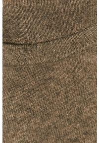 Samsoe & Samsoe - Sweter. Typ kołnierza: golf. Kolor: szary. Materiał: dzianina. Długość rękawa: długi rękaw. Długość: długie