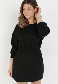 Born2be - Czarna Sukienka Apheasi. Okazja: na co dzień. Kolor: czarny. Materiał: dzianina. Wzór: jednolity. Typ sukienki: proste. Styl: casual. Długość: mini