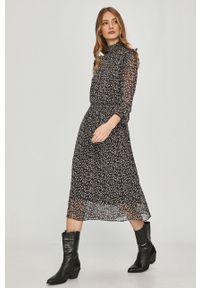 Czarna sukienka Answear Lab midi, casualowa, z długim rękawem