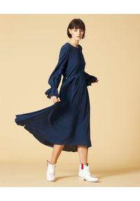 Manila Grace - MANILA GRACE - Granatowa sukienka asymetryczna. Kolor: niebieski. Materiał: wiskoza. Sezon: lato, wiosna. Typ sukienki: asymetryczne