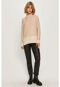 Różowy sweter Calvin Klein z golfem, długi, casualowy, z długim rękawem