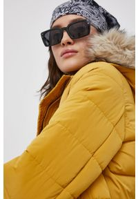 Vero Moda - Kurtka. Kolor: żółty. Materiał: futro, poliester