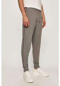 Szare spodnie dresowe Hugo