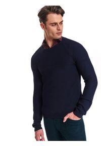 Niebieski sweter TOP SECRET w kolorowe wzory, z klasycznym kołnierzykiem, na co dzień, na zimę