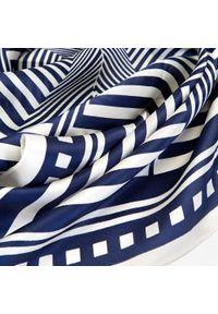 Niebieski szalik Wittchen elegancki