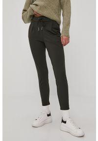 Vero Moda - Spodnie. Okazja: na co dzień. Kolor: zielony. Styl: casual