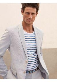 TOP SECRET - Lekka marynarka w prążek. Okazja: na co dzień. Kolor: niebieski. Materiał: bawełna, jeans. Wzór: prążki. Sezon: lato, wiosna. Styl: casual