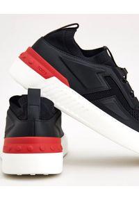 TOD'S - Czarne sneakersy NO_CODE. Nosek buta: okrągły. Kolor: czarny. Materiał: tkanina, guma. Wzór: ze splotem