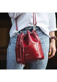 Czerwona torebka Solier elegancka, w paski