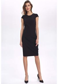 Nife - Czarna Ołówkowa Sukienka z Mini Rękawkiem. Kolor: czarny. Materiał: poliester, wiskoza, elastan. Długość rękawa: krótki rękaw. Typ sukienki: ołówkowe. Długość: mini