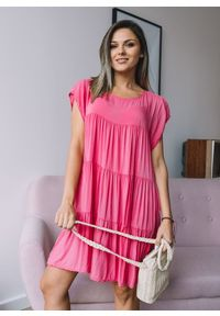 Różowa sukienka Fanaberia.com rozkloszowana, mini