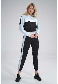 Figl - Sportowe Spodnie z Kolorowym Lampasem - Czarno-Niebieskie. Kolor: czarny, wielokolorowy, niebieski. Materiał: elastan, poliester. Wzór: kolorowy