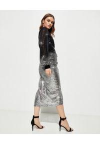 RAQUEL DINIZ - Srebrzysta sukienka midi. Okazja: na sylwestra, na imprezę. Kolor: czarny. Materiał: jedwab. Wzór: aplikacja. Typ sukienki: asymetryczne. Długość: midi