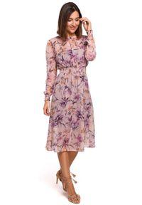 MOE - Łososiowa Szyfonowa Sukienka w Kwiaty z Długim Rękawem. Kolor: różowy. Materiał: szyfon. Długość rękawa: długi rękaw. Wzór: kwiaty