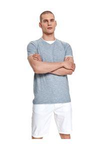TOP SECRET - T-shirt w paski. Typ kołnierza: dekolt w serek. Kolor: turkusowy. Materiał: materiał, tkanina, bawełna. Długość rękawa: krótki rękaw. Długość: krótkie. Wzór: paski. Sezon: lato