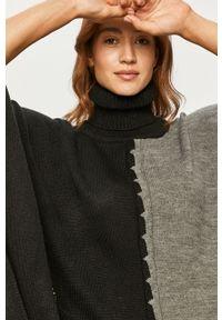 Czarny sweter Desigual z haftami #4