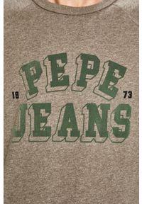 Pepe Jeans - Bluza Linus. Kolor: szary. Materiał: dzianina. Długość rękawa: raglanowy rękaw. Wzór: aplikacja