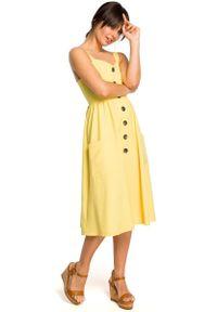 MOE - Żółta Midi Sukienka na Szelkach z Ozdobnymi Guzikami. Kolor: żółty. Materiał: len, poliester. Długość: midi