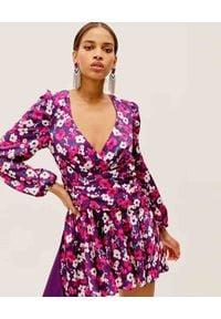 For Love & Lemons - FOR LOVE & LEMONS - Fioletowa sukienka Hallie. Okazja: na wesele, na ślub cywilny, na imprezę. Kolor: różowy, fioletowy, wielokolorowy. Materiał: materiał. Długość rękawa: długi rękaw. Długość: mini