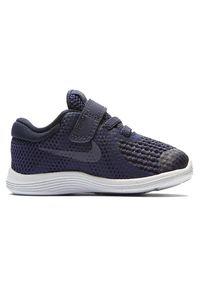 Nike Revolution 4 943304-501. Zapięcie: rzepy. Materiał: materiał. Model: Nike Revolution