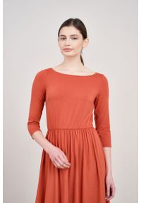 Marie Zélie - Sukienka Emelina Tabasco. Materiał: guma, dzianina, materiał, wiskoza, elastan. Styl: klasyczny. Długość: midi