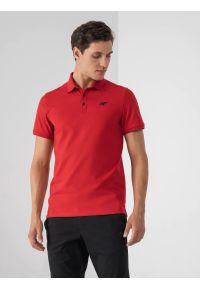 4f - Koszulka polo regular męska. Okazja: na co dzień. Typ kołnierza: polo. Kolor: czerwony. Materiał: dzianina, materiał. Styl: casual