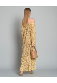 ON THE ISLAND - Sukienka w kwiatowy wzór. Okazja: na co dzień. Kolor: żółty. Materiał: materiał. Wzór: kwiaty. Typ sukienki: proste. Styl: elegancki, wakacyjny, casual