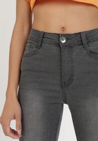Szare spodnie skinny Born2be