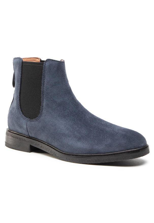 Niebieskie buty zimowe Clarks klasyczne, z cholewką