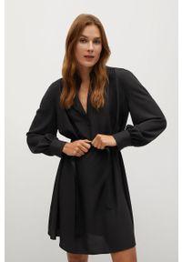 Czarna sukienka mango prosta, na co dzień, mini, z długim rękawem