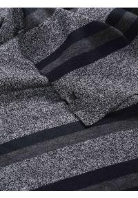 Niebieski szalik TOP SECRET w kolorowe wzory, elegancki