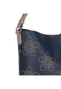 Niebieska torebka worek Wittchen w kwiaty