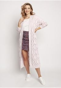 MKM - Długi Swetrowy Płaszczyk z Ażurem - Różowy. Kolor: różowy. Materiał: bawełna, akryl. Długość: długie. Wzór: ażurowy