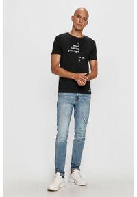 Czarny t-shirt Armani Exchange z nadrukiem, z okrągłym kołnierzem, casualowy