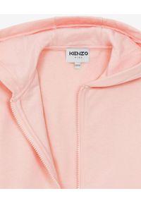 Kenzo kids - KENZO KIDS - Różowa bluza z logo Sport 4-12 lat. Kolor: różowy, wielokolorowy, fioletowy. Materiał: materiał, prążkowany. Długość rękawa: długi rękaw. Długość: długie. Wzór: aplikacja. Sezon: lato. Styl: sportowy