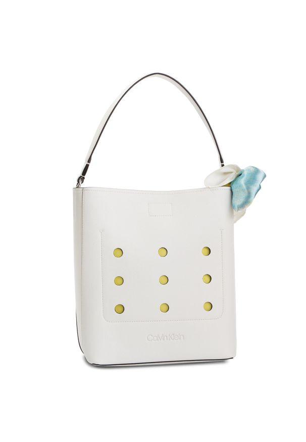 Biała torebka klasyczna Calvin Klein klasyczna
