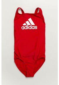 Czerwony strój jednoczęściowy adidas Performance z nadrukiem