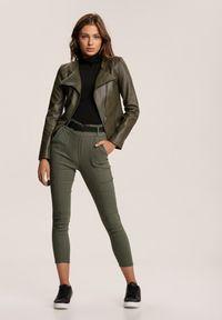 Renee - Zielone Spodnie Vilinoth. Stan: podwyższony. Kolor: zielony. Długość: długie
