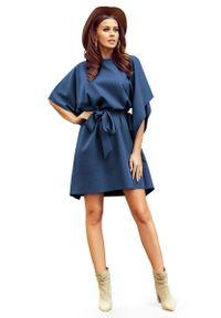 Numoco - Niebieska Sukienka Typu Motyl z Paskiem. Kolor: niebieski. Materiał: elastan, poliester