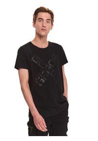 TOP SECRET - T-shirt z nadrukiem. Okazja: na co dzień. Kolor: czarny. Materiał: bawełna, tkanina. Długość rękawa: krótki rękaw. Długość: krótkie. Wzór: nadruk. Sezon: jesień. Styl: klasyczny, casual