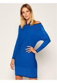 Niebieska sukienka dzianinowa Guess