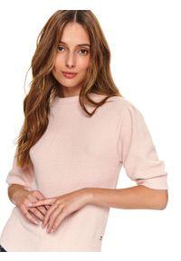 Różowy sweter TOP SECRET z krótkim rękawem, krótki
