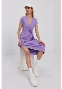 Haily's - Sukienka. Kolor: fioletowy. Materiał: dzianina. Długość rękawa: krótki rękaw. Wzór: gładki. Typ sukienki: rozkloszowane