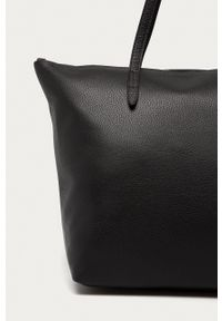 Furla - Torebka skórzana Net. Kolor: czarny. Materiał: skórzane. Rodzaj torebki: na ramię
