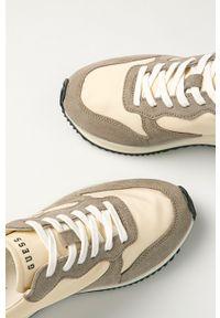 Guess - Buty. Nosek buta: okrągły. Zapięcie: sznurówki. Kolor: beżowy. Materiał: skóra, guma