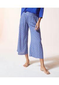 Niebieska piżama Etam z nadrukiem