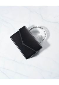 AMINA MUADDI - Czarna torebka Superamini Pernille. Kolor: czarny. Wzór: aplikacja